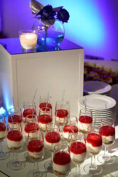 El excelente equipo de cocina del hotel #BarcelóBilbaoNervión pondrá sus cincos sentidos a vuestro servicio para ofreceros un banquete de boda inolvidable. ¡Más info sobre el hotel clicando en la imagen! #WeddingTypes#GourmetCuisineWeddings#GastronomíaBodas