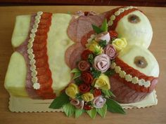 Sandwich Cake, Sandwiches, Cute Snacks, Good Food, Yummy Food, Food Garnishes, Salty Cake, Valentines Food, Food Displays
