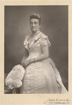 The Countess of Paris, wearing the impressive sapphire parure of the French Royal Family. These jewels have a long and complex history, so nailing them down to the Belle Epoque is 'tricky' to say the least. Bourbon, Victorian Photography, 1880s Fashion, Royal King, Isabel Ii, Royal Jewelry, Save The Queen, Victorian Women, Crown Jewels