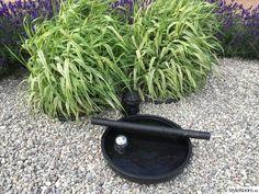 lavendel,fågelbad,sjösten,randgräs,naverlönnträd