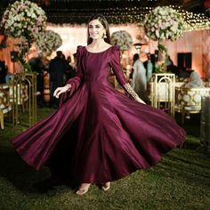 Maya Ali Beautiful Dance on Her Brother Wedding - Maya Ali Complete Dance Video - MyStyles Pakistani Formal Dresses, Wedding Dresses For Girls, Party Wear Dresses, Indian Dresses, Indian Outfits, Pakistani Clothing, Dress Party, Pakistani Fashion Party Wear, Pakistani Wedding Outfits