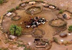 Resultado de imagen para building a maasai hut