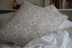 how to make a crochet pillow... without having to crochet