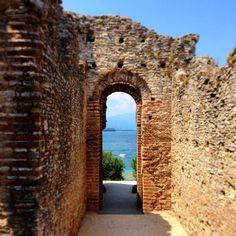 Grotte di Catullo #sirmione #photogc #lagodigarda #lakegarda #gardasee #gardaconcierge #italy