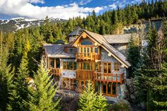 Inside 5 mega-luxurious ski chalets you can't afford | Akasha Estate – Whistler, British Columbia | Image courtesy of TripAdvisor Vacation Rentals