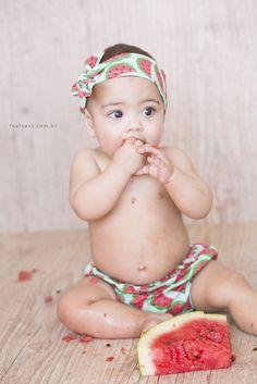 smash the fruit - ideia de foto para comemorar os 6 meses do bebê