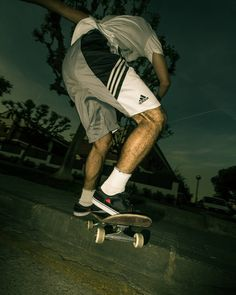 "Instagram #skateboarding photo by @jordi.ga - ""I on ha quedat el valor de ser feliç sense vergonya? I els collons d'anar a favor per tots?"" : @p.suaj_fatphix  #aspecs #brenk #smith #amorfo #proaspequer #skate #skateboarding #postu #pauvallve #sinsenk. Support your local skate shop: SkateboardCity.co"