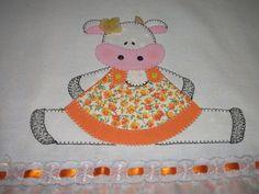 Pano de prato de sacaria em Patch Aplique, barrado em tecido de algodão, bordado inglês.