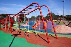 En el Parque La Isla (La Paternal) se puede disfrutar de un área de juegos de más de 700 metros cuadrados. Ya se instalaron juegos de última generación en los parques Centenario (Caballito), Indoamericano (Villa Soldati) y las plazas Mujica (Saavedra), Irala (La Boca) y Egipto (Palermo).