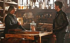 'Once Upon a Time' sneak peek: Rumple lends Hook a hand -- but at what cost?