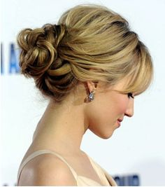 23 Great Elegant Hairstyles Ideas and Tutorials-Elegant Hairstyles are the best hairstyles, and learning how to make couple of them is useful and fun at the same time. Celebrities will always be the main