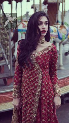 New image in kajal Pakistani Wedding Outfits, Pakistani Wedding Dresses, Pakistani Dress Design, Dress Wedding, Dress Indian Style, Indian Dresses, Indian Wear, Indian Designer Outfits, Designer Dresses