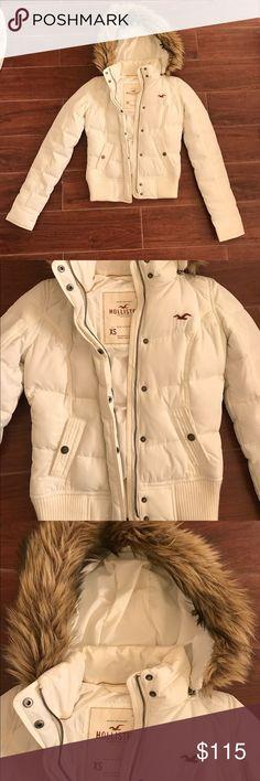Hollister parka jacket Size xsmall. Worn once. Water resistant jacket. Super warm! Fur coat. White color. Winter jackets. Jackets & Coats