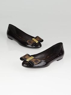 Louis Vuitton Flats - I want them so badly!