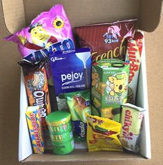 MunchPak Subscription Box Review + Coupon - August 2015 - Contents