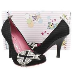 My gorgeous Irregular Choice shoes that my boyfriend bought for my birthday last week. :)