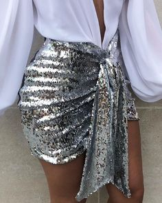 Sequins Ruched Knotted Slinky Skirt - Women's style: Patterns of sustainability Ootd Fashion, Runway Fashion, Fashion Dresses, Womens Fashion, Style Fashion, Skirt Outfits, Chic Outfits, Sequin Outfit, Pattern Fashion