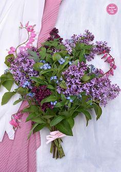 Muttertagsblumen und ein Punschkrapfenherz - sugar&rose Floral Wreath, Wreaths, Flowers, Beignets, Punch, Mother's Day, Heart, Floral Crown, Door Wreaths