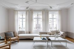 Majestical living room - via Coco Lapine Design blog