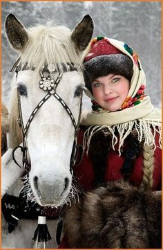 RUSIA Maybe I should re-think riding in layers and my Cabela's jacket? Go out with a little more style . We Are The World, People Around The World, Zar Nikolaus Ii, Georg Christoph Lichtenberg, Winter Szenen, 3d Foto, Animal Gato, Ansel Adams, Horse Love