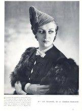 Le Monnier (Millinery) 1937 Turban de velours, Lise Delamare, Boris Lipnitzki