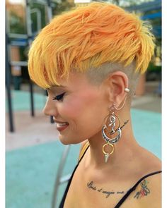 61 Extra-Cool Pixie Haircuts for Women: Long & Short Pixie Hairstyles Undercut Hairstyles, Pixie Hairstyles, Short Hairstyles For Women, Cool Hairstyles, Hairstyle Short Hair, Undercut Women, Undercut Pixie, Short Pixie Haircuts, Short Hair Cuts