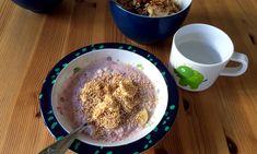 Müsli ist ein tolles Frühstück für Kleinkinder und ältere Babys. Overnight Oats sind Getreideflocken, die über Nacht in Flüssigkeit eingeweicht werden.