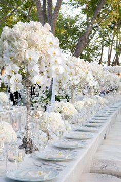 Kwiaty na stół weselny.