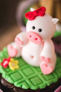 Fondant Pig Cupcake Topper from a Girly Little Farm Birthday Party via Kara's Party Ideas | KarasPartyIdeas.com (9)