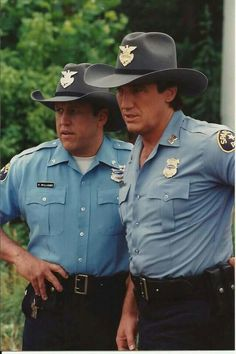 David Hart as Parker Williams and Alan Autry as Bubba Skinner