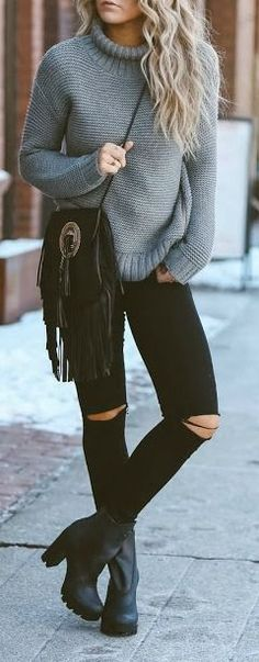 Fall look | Distressed black pants, edgy booties and turtle neck grey sweater