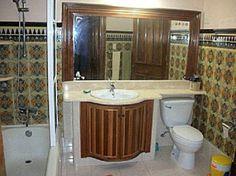 Baños completos y espaciosos a disposición de los clientes Cuba, Colonial, Mirror, Bathroom, Frame, Furniture, Home Decor, Washroom, Picture Frame