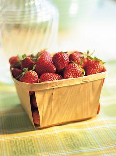 Ricardo's recipes : Strawberry and Green Apple Water Strawberry Cream Pies, Strawberry Cake Recipes, Strawberry Buttercream, Strawberries And Cream, Strawberry Vinegar, Strawberry Syrup, Fun Easy Recipes, Pie Recipes, Salad Recipes