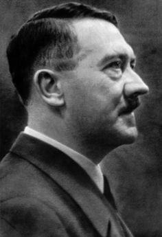 Adolf Hitler in 1942. (via putschgirl)