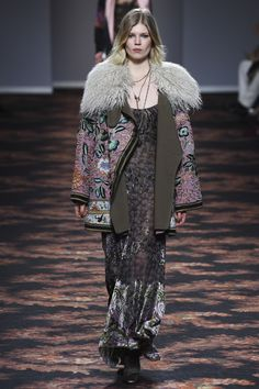 Etro Fall 2016 Ready-to-Wear Collection Photos - Vogue...WHAAAAATT? that jacket is perfection...