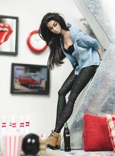 Now & Then | Poppy Parker Bergdorf | Elle & Emma | Flickr Beautiful Barbie Dolls, Vintage Barbie Dolls, Fashion Royalty Dolls, Fashion Dolls, Monster High, Barbie Tumblr, Diva Dolls, Art Dolls, Broken Doll