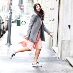 Alessia Sica rushing with style wearing #HOGAN #Interactive #sneakers and Clutch Bag #HoganClub