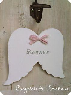 Ailes d'ange en bois personnalisées pour cadeau original naissance ou Baptême boutiquebonheur.canalblog.com