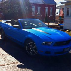 What is it about this color and a Mustang that is just so gorgeous?