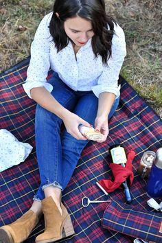 Christmas tree farm, winter picnic, fall photo ideas, Hunter boots and plaid - My Style Vita @mystylevita