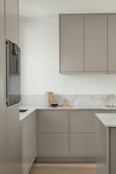 Modern gray kitchen from Nordic Kitchen. Handless and customized, painted . Modern gray kitchen from Nordic Kitchen. Handless and customized, painted . Grey Kitchen Interior, Modern Grey Kitchen, Nordic Kitchen, Grey Kitchens, Rustic Kitchen, Room Interior, Interior Design Living Room, Home Kitchens, Kitchen Decor