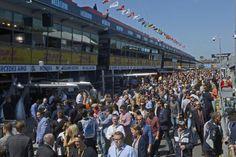 Melbourne -Austrália – Dos 20 carros do grid original, apenas 15 largaram. A lista de ausentes começou com dois carros da Manor, que sequer andaram durante todo o final de semana. E Valtteri Bottas, da Williams, sentiu dores nas costas ainda na classificação, não passou pela avaliação dos médicos da FIA e ficou de fora…