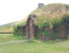 ⌂ Hobbit Homes ⌂ Reconstructed homestead of Eric the Red at Eiríksstaðir Center