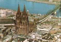 The massive and magnificent Cathedral in Köln