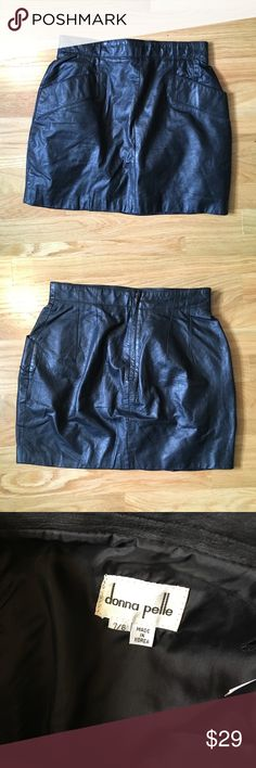 Vintage leather mini skirt Awesome vintage 100% black leather mini. Size 8. Length measures 15in. donna pelle Skirts Mini
