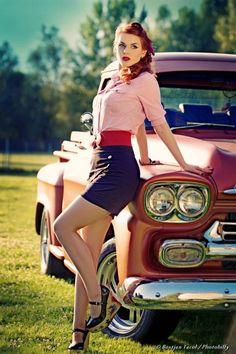 469cbd92f73 Pin-Up - model - Greta MaCabre (Ivana Benko) Page - https