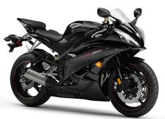 Yamaha's R1 small sister: The R6. Direct competitor to the Honda CBR600, the Suzuki GSX-R 600 and the Kawasaki ZX-6R Ninja, it mounts a 4-inline DOHC, 600 cc engine with more than 120 HP and an aerodinamic fairing with a sexy design that makes very clear that this little beauty is made to fly low over the asphalt.