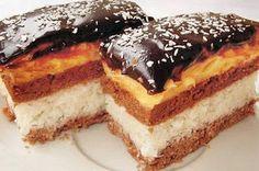 Bounty szelet - www. Chef Recipes, Baking Recipes, Cookie Recipes, Dessert Recipes, Hungarian Desserts, Hungarian Recipes, Hungarian Food, Sweet Desserts, Sweet Recipes