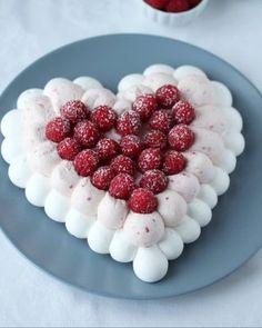 Boller og kanelboller - tangzhong style - krem.no Pavlova, Raspberry, Sweets, Baking, Fruit, Birthday, Desserts, Food, Instagram