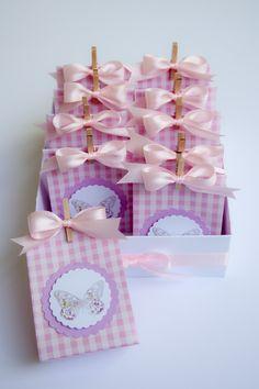 pink butterfly favors https://www.facebook.com/pages/Minù-Minù-collezioni-artistiche/1441713376099936
